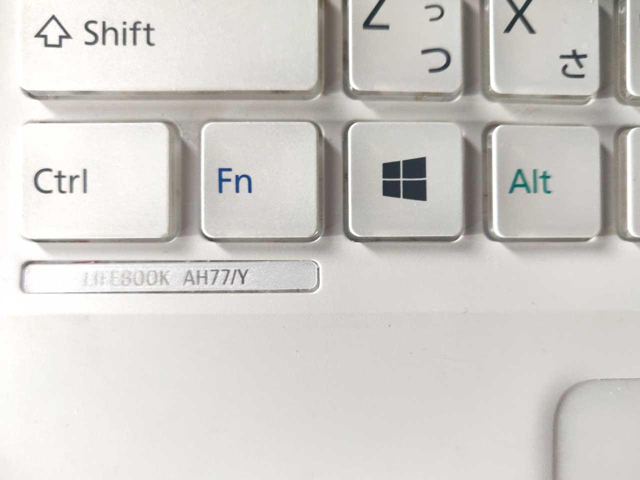 LIFEBOOK AH77/Y キーボードのロゴ